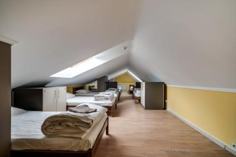 OSTRIV Семимісна кімната